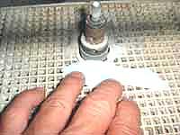 ④ルーター(ガラスを削る機能)でガラスのエッジを滑らかにします。