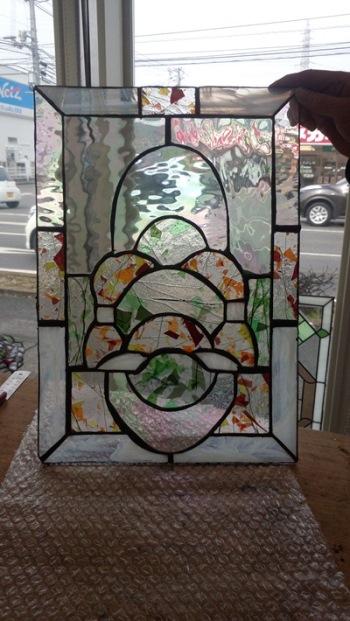 ステンドグラスのパネルを作りました