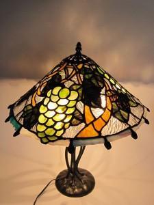 ステンドグラスのランプ