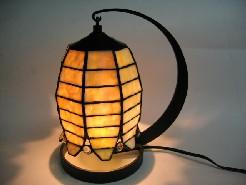ステンドグラスのランプです