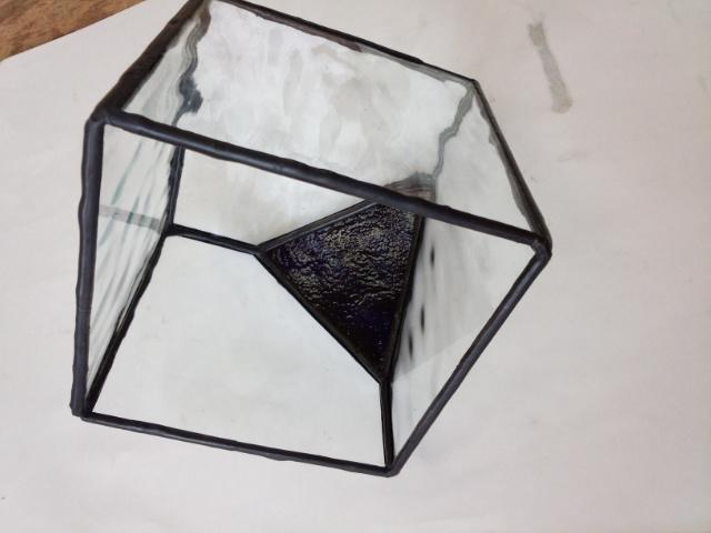 シンプルなデザインですがステンドグラス制作は楽しいです