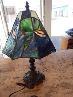 ステンドグラスのランプ。大変でしたが、気に入った作品が出来ました。満足しています。