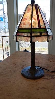 ステンドグラスのランプ。思った以上に可愛いのが出来て嬉しかったです。